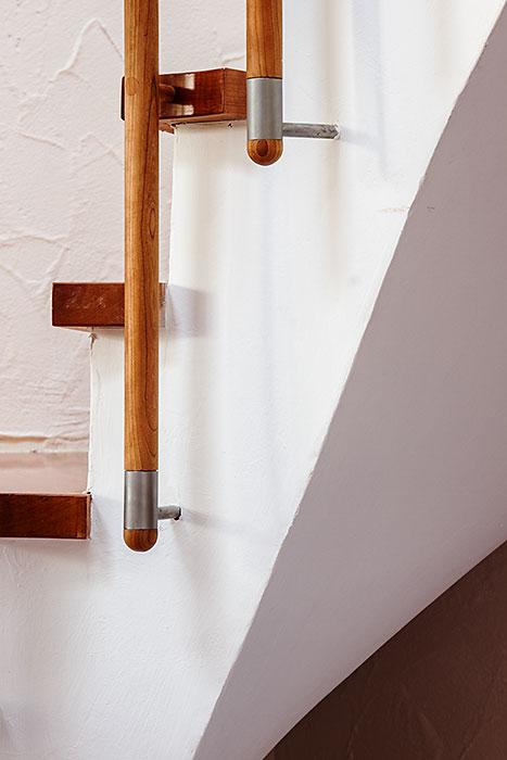 Treppengeländer Holz Restaurieren ~   Treppengeländer, ausgeführt von der Schreinerei Eben Holz in Aachen